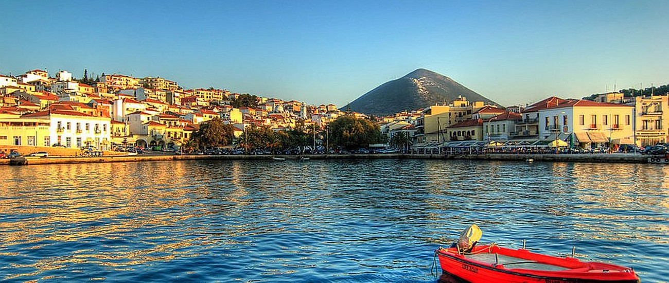 http://www.arttravel.gr/images/arttravel/cities/pylos.jpg