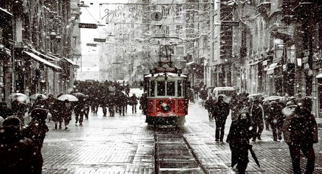 Snow In Istanbul By Dilemmanya D4oecxklow