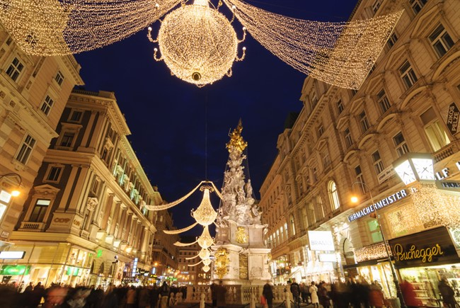 Lowres 00000031415 Graben In Vienna At Christmas Time Oesterreich Werbung Volker Preusser