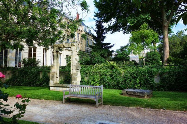 Jardins Des Archives Nationales 6
